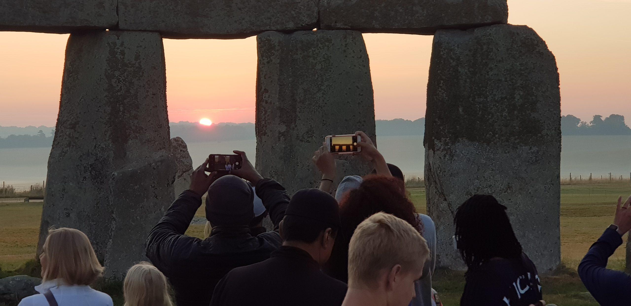 Stonehenge VIP Sunrise Experience Tour